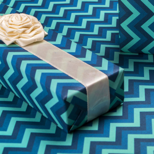 giftwrap-blue-stripes-2