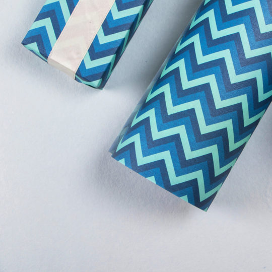 giftwrap-blue-stripes-4